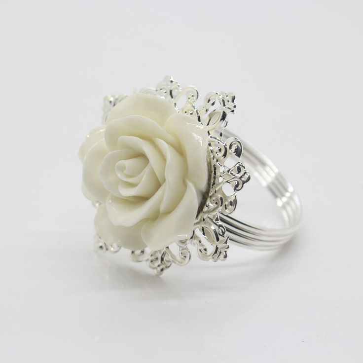 10pcs White Rose Decorative Silver Napkin Ring Serviette Holder for Wedding Party Dinner Table Decoration Accessories