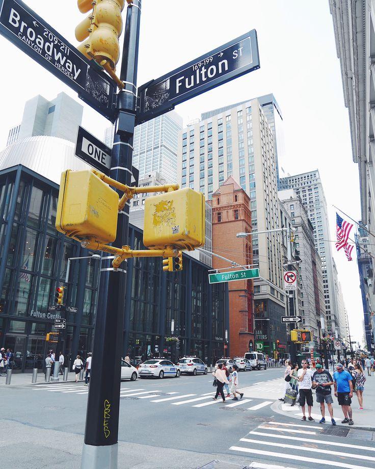 Streets of NYC | https://www.instagram.com/mademoisellemodeuse/
