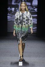 La elegancia urbana de For.me Elena Mirò inunda las pasarelas de la Milán Fashion Week - Ediciones Sibila (Prensapiel, PuntoModa y Textil y Moda)