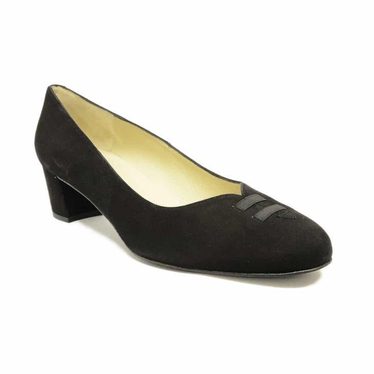 #trotteurs  #chaussure  #chaussurefemme  #grandetaille  #grandepointure  #femme  #mode  #gay #travesti  #femmes  #detente  #confort