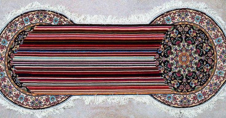 Faig Ahmed Double tension Handmade woolen carpet 2011  Voici la découverte du jour. Faig a littéralement cassé Internet avec son idée de réinventer le design des tapis d'Orient. Je pense qu'au début il faut se laisser séduire par la beauté de ses œuvres. Ses détournements sont toujours imaginés selon  la même trame : comment recréer une forme nouvelle en partant d'un motif ancien associé avec une esthétique contemporaine. Le résultat (en vrai) est saisissant   #faigahmed #carpet #tapis…