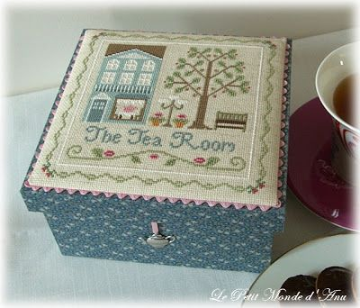 Fallen in love with LHN and CCN patterns (notice the rik-rak trim between the needlework and the box)