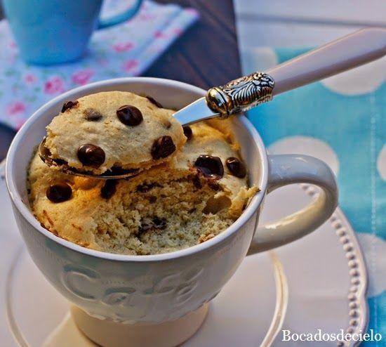 Bocadosdecielo: Mug Cake de cookies de Victoria's Cakes 1 cucharada de mantequilla, 2 de azúcar moreno, 1 yema de huevo, 3 de harina, 1 de amicena, 1 de bicarbonato y 1 de pepitas de chocolate, 800 w 1 minuto