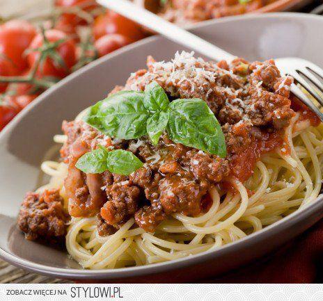 Prawdziwe spaghetti bolognese  Przepis Magdy Gessler…