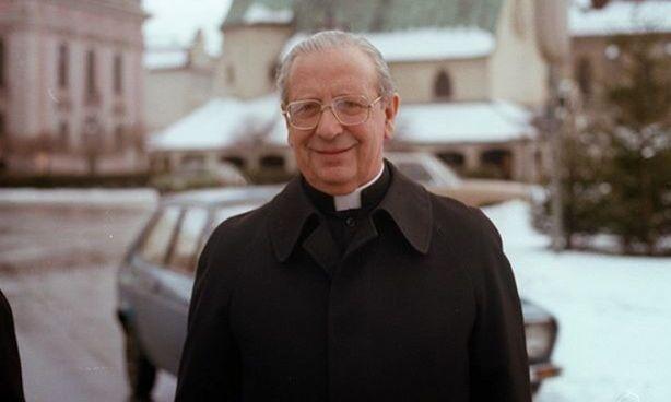Álvaro del Portillo; un hombre de mucha paz que trasmitía mucha serenidad  http://germancilla.wordpress.com/2014/03/23/alvaro-del-portillo-un-hombre-de-paz-que-trasmitia-mucha-serenidad/