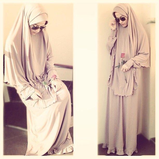 .@lyravirna on Instagram, khimar, hijab,| gamis set by @aazmara   # KANTUNG BERLUBANG (ilustrasi penggugah...) # (Ust F...