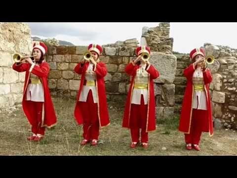 Kadın Mehter Takımından İzmir Marşı Gözleriniz Yaşaracak - YouTube
