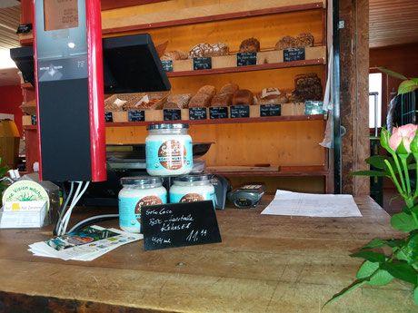 Im Hofladen Alte Zimmerei in Entringen können Sie SoloCoco Kokosöl kaufen