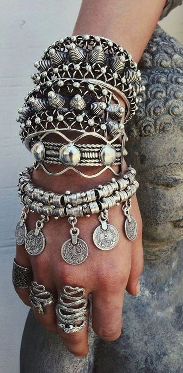 ≫∙∙☮ Bohème Babe ☮∙∙≪• ❤️ Curated by Babz™ ✿ιиѕριяαтισи❀ #abbigliamento #bohojewelry #boho