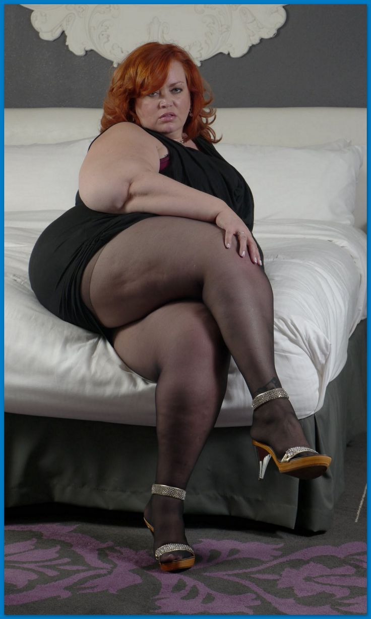 Beautiful big belly mature bbw loves to play with her pussy 8