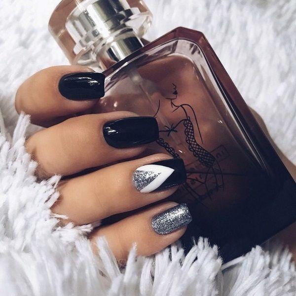 Ideas de manicura en tonos oscuros. Si te gustan los tonos oscuros incluso en ve…
