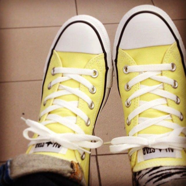 Converse gialle, comprate su www.piustyle.com!