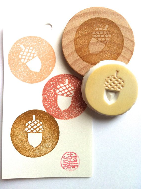 acorn rubber stamp. hand carved stamp. circle pattern stamp. autumn forest. mounted. READY TO SHIP