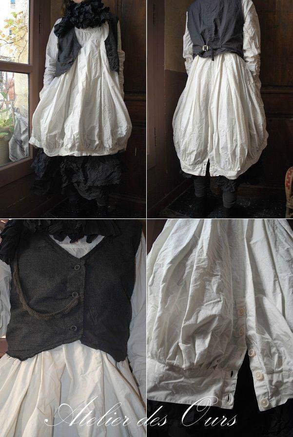 MLLE JADE : Robe boule en popeline de coton écru ( ou noir ou bleu nuit), gilet grand-père, jupon en soie EWA IWALLA - Atelier des Ours.
