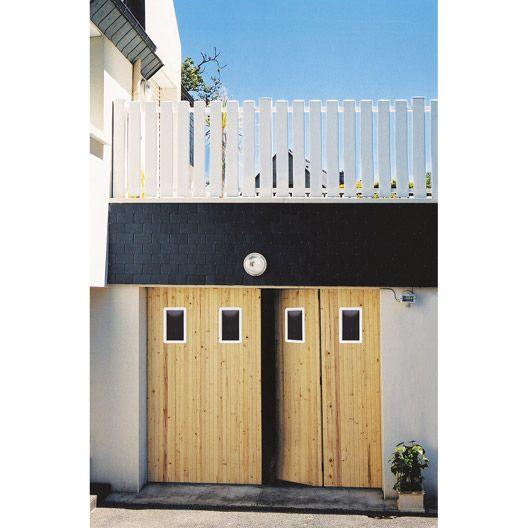 Porte de garage à la francaise PRIMO avec hublot, sapin, 200 x 240cm #matériaux #menuiserie #bois #travaux #amenagement #magasin #leroymerlinguérande #Guerande #loireatlantique #bricolage #catalogue #maison #france