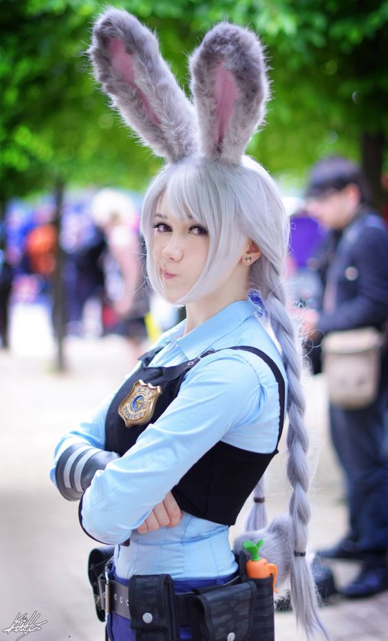 Ideas & Accessories for your DIY Zootopia Judy Hopps Halloween Costume Idea