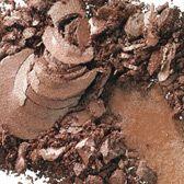 MAC Cosmetics: Eye Shadow in Woodwinked (Veluxe Pearl) - Warm antique gold