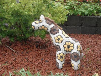 TAIKSI: Kirahvi, afrikkalaisista kukista