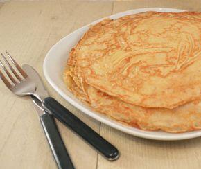 Het recept voor de lekkerste zelfgemaakte pannenkoeken. Bloem, ei & melk is samen met een snufje zout & suiker voor de zoetekauw alles wat je nodig hebt voor dit recept.