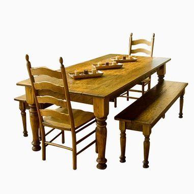 Выполненная на заказ Сосновый Агротуризм обеденный стол, стулья и скамейки Соответствующие