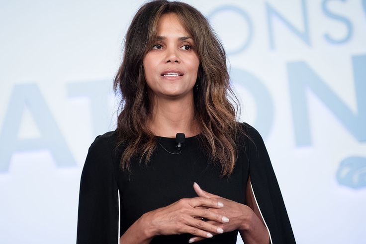 "Halle Berry is still disappointed in the Oscars Sitemize ""Halle Berry is still disappointed in the Oscars"" konusu eklenmiştir. Detaylar için ziyaret ediniz. http://www.xjs.us/halle-berry-is-still-disappointed-in-the-oscars.html"