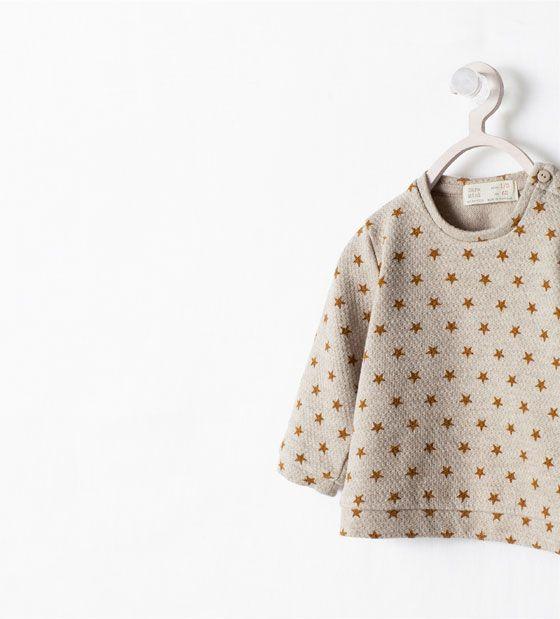 Image 4 de Sweat à imprimé étoiles de Zara