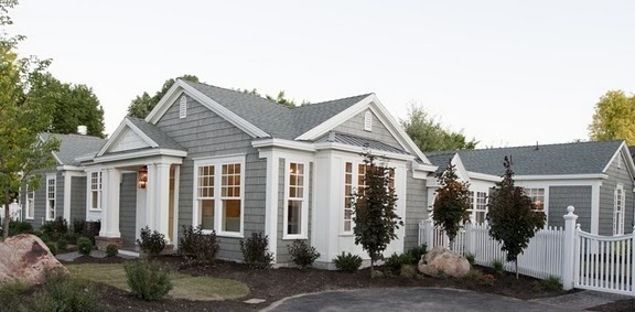 I love houses that are beautiful on all sides and not just the front.  Of course I love the grey and white.  So amazing.