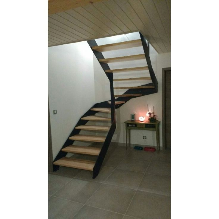 les 25 meilleures id es de la cat gorie escalier quart tournant sur pinterest escaliers. Black Bedroom Furniture Sets. Home Design Ideas