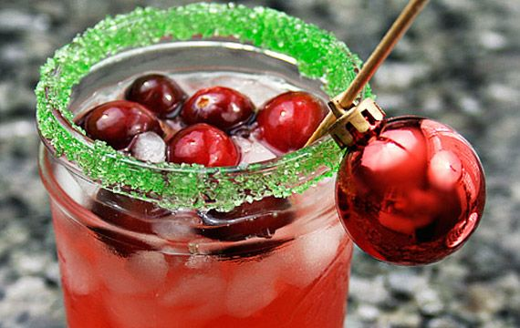 cranberry-margaritaChristmas Parties, Holiday Parties, Ice Cubes, Cranberries Juice, Christmas Eve, Cranberries Margaritas, Christmas Cocktails, The Holiday, Christmas Drinks