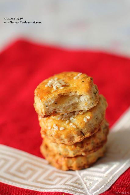 Греческое печенье из рисовой муки с брынзой и тимьяном