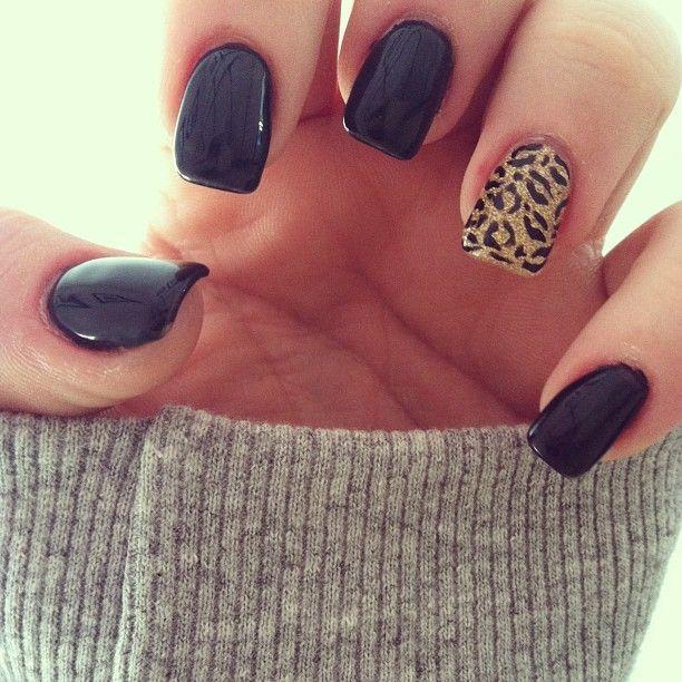 Black nails, leopard accent nail