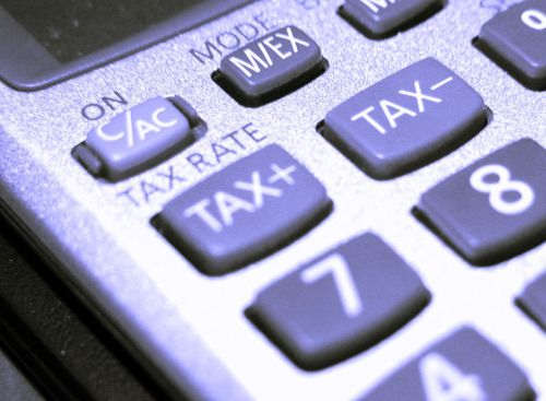La fotografía de una calculadora. Foto perfecta para páginas web relacionadas con negocios, empresas, financiación, matemáticas etc... #calculadora #negocios #finanzas #economia