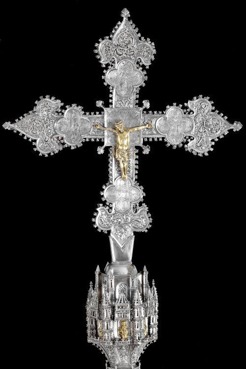 signorcasaubon:  Processional Cross of the Church of Saint Stephen Protomartyr, Madrid; recently restored by the Talleres de Arte Granda