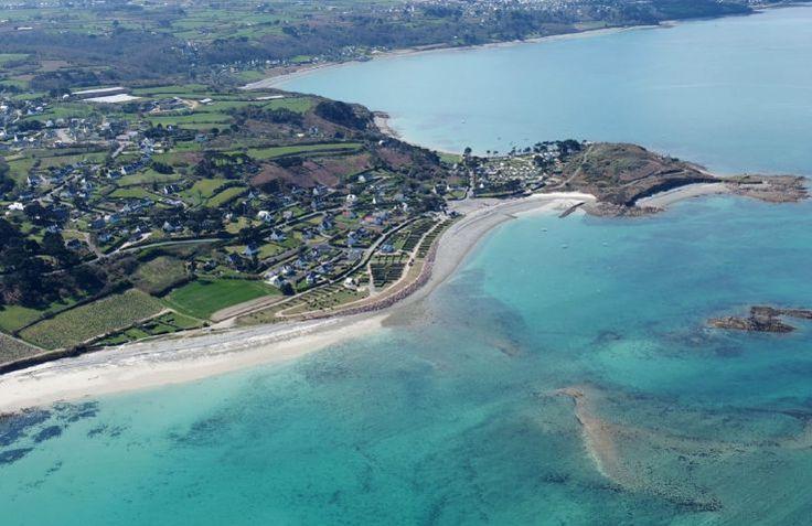 Glamping Les 7 Iles ligt direct aan de Franse Kust. Vier hier een heerlijke strandvakantie.