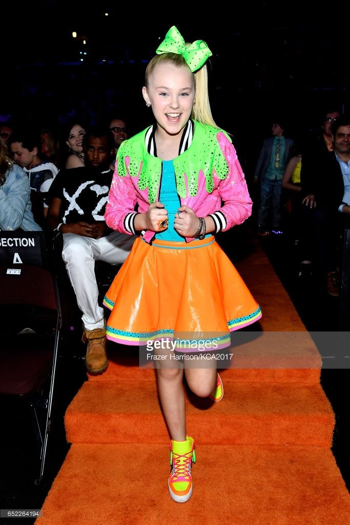 Internet personality JoJo Siwa wins Favorite Viral Music Artist at Nickelodeon's 2017 Kids' Choice Awards at USC Galen Center on March 11, 2017 in Los Angeles, California.