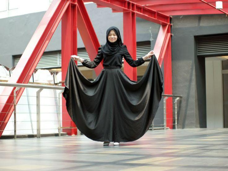 Wide black skirt  #black #skirt
