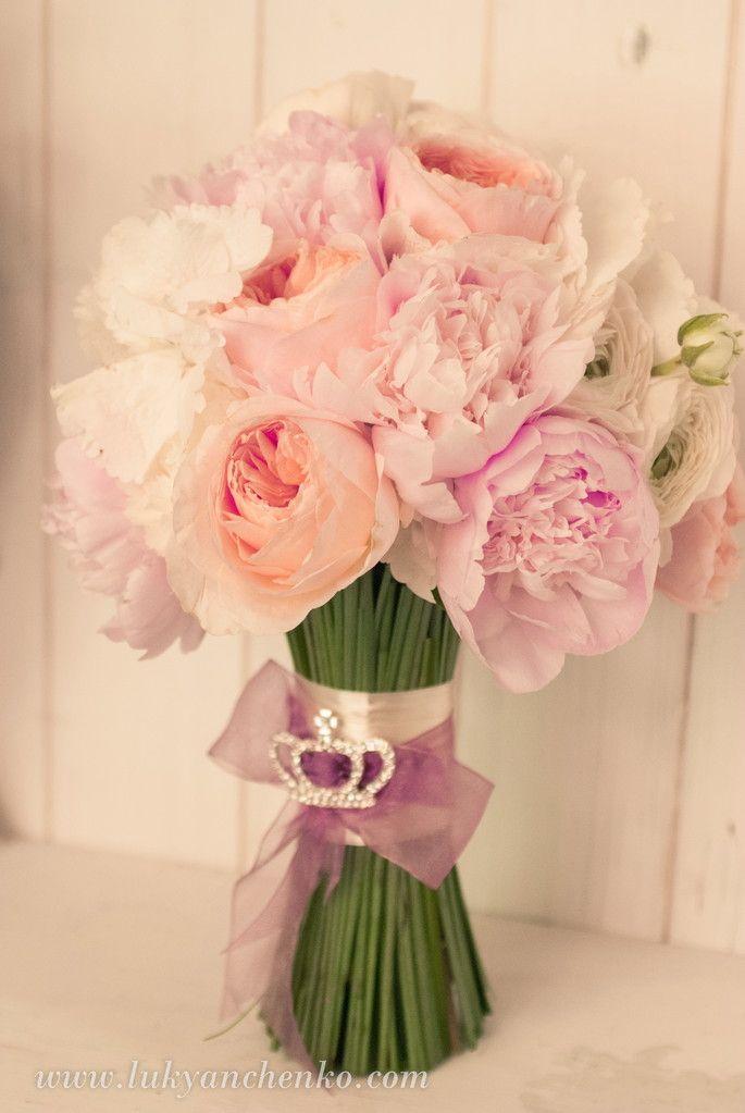 ГАЛЕРЕЯ СВАДЕБНЫХ БУКЕТОВ - Свадебный букет, оформление свадьбы цветами, свадебное украшение зала, свадебные платья с цветами, украшение свадебных машин, свадебные аксессуары