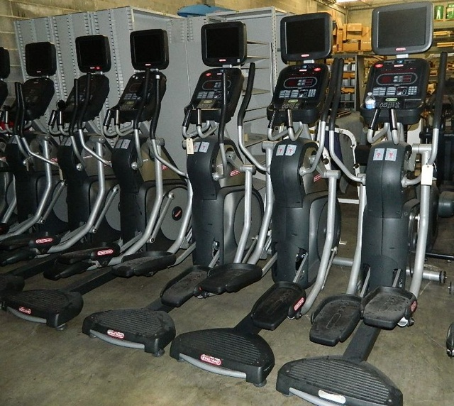 ELLIPTICAL STAR TRAC STAR TRAC ETBT W TV DISPLAY: 15 INCH TOUCH SCREEN WITH HIGH DEFINITION TV