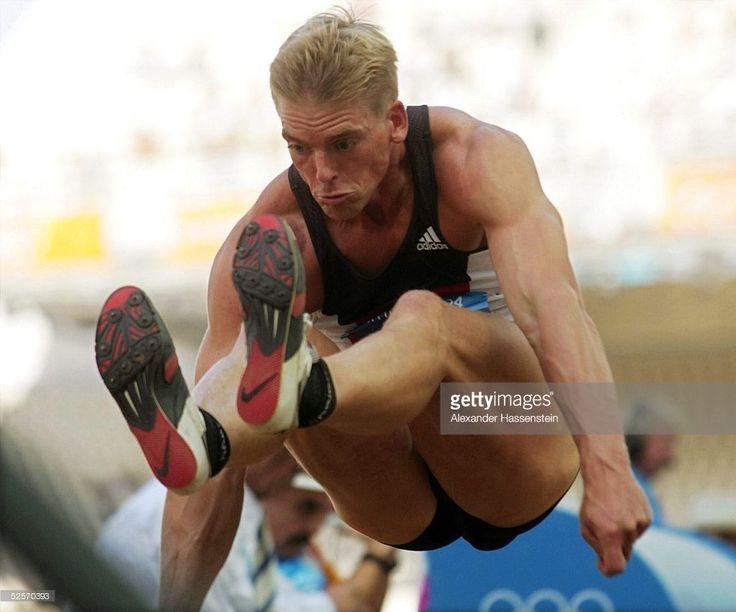 Olympische Spiele Athen 2004, Athen; Zehnkampf / Weitsprung / Maenner; Florian SCHOENBECK / (1024×852)