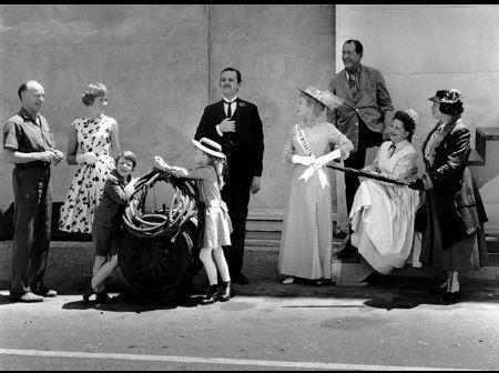 """Mary Poppins"" Julie Andrews, Dir.  Robert Stevenson, Matthew Garber, Karen Dotrice, David Tomlinson, Glynnis Johns, Arthur Treacher, Hermione Baddley, Elsa Lanchester Disney 1963"