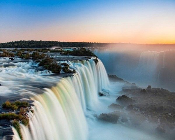 Les plus belles cascades du Monde - Chutes d'Iguazú (Brésil, Argentine, Paraguay)