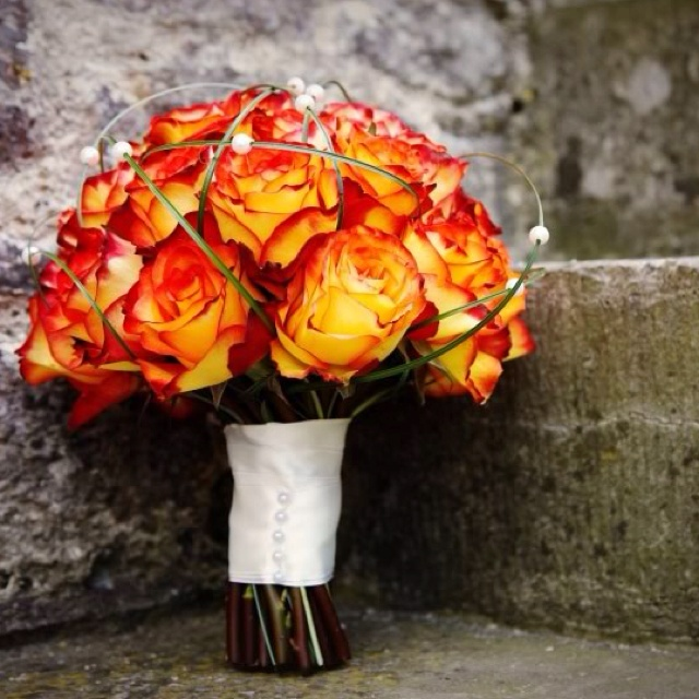 Fall Wedding Flowers Bouquets Centerpieces Flame Roses Onewed 20