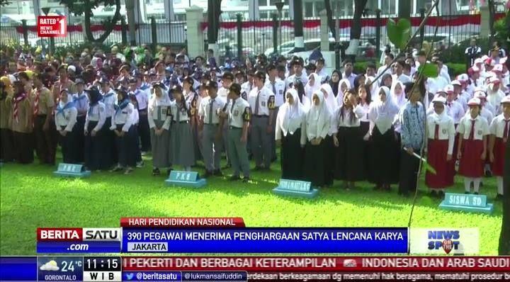 390 pegawai Kemendikbud menerima penghargaan Satya Lencana Karya. #NewsOnTheSpot