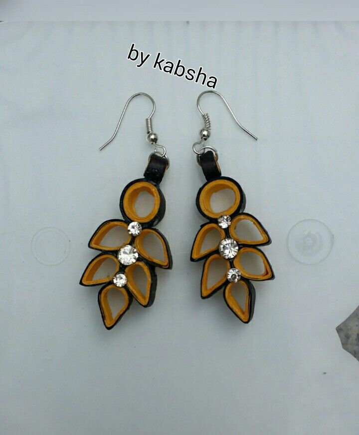 Quilled earring by me.....