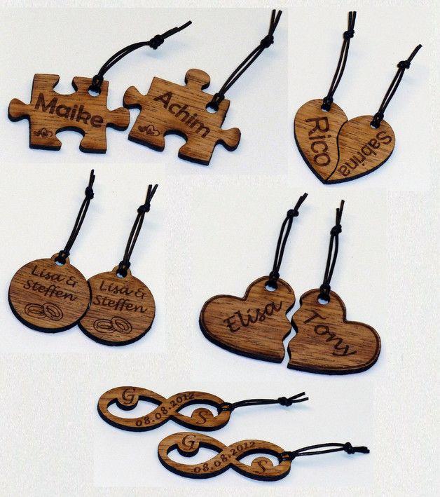 Schlüsselanhänger - Holz Partner-Schlüsselanhänger - Wunschgravur mb - ein Designerstück von NIKKIService bei DaWanda