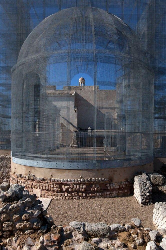 Edoardo Tresoldi, installazione rete metallica, Basilica paleocristiana di Santa Maria Maggiore di Siponto, a Manfredonia, in Puglia - wire mesh paleochristian basilica installation, Apulia