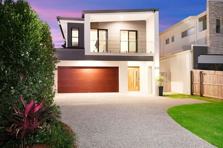 MITCHELTON 48 McConaghy Street...Upon entering the spacious foyer you will soon realise why this home exemplifies the very pinnacle of ultra-chic living.