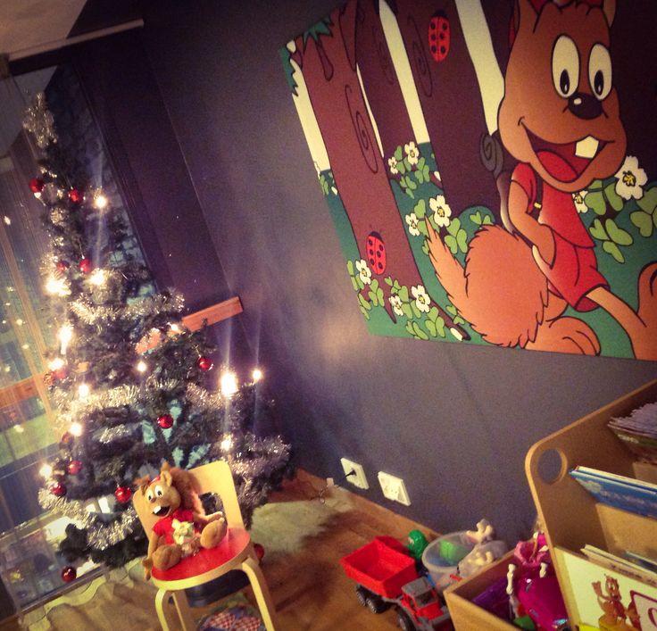 Onni Orava odottelee Joulun tuloa. Lasten leikkihuone Break Sokos Hotel Levillä
