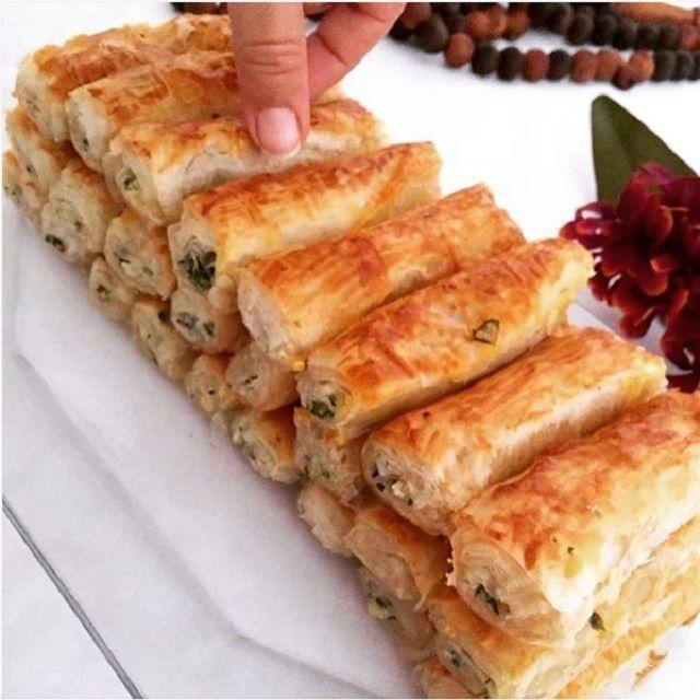 Çıtır çıtır harika bir börek tarifi arayanlara: Dereotlu Çıtır Börek Tarifi.Baklavalık hazır yufkadan hazırlanan ve yapımı oldukça basit olan bu böreğimiz içininstagram.com/nur