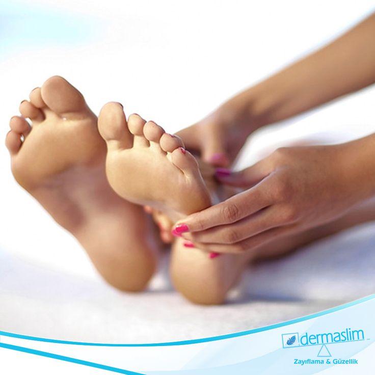 Medikal El Ayak Bakımı yalnızca güzellikle değil sağlıkla da alakalıdır. El ve Ayak tırnaklarınızda oluşabilecek mantar, nasır ve birçok huzursuz edici rahatsızlığın tedavisi merkezimizde Podiatrist uzmanlarımız tarafından gerçekleştirilmektedir. Detaylı Bilgi İçin : 216 688 00 26